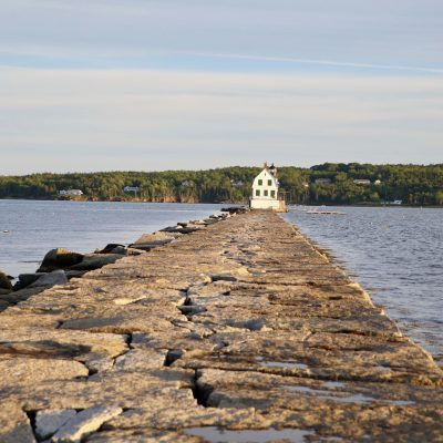 photo of rockland breakwater lighthouse